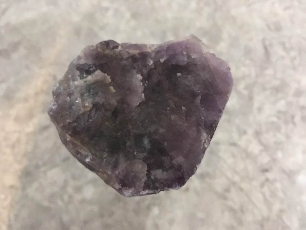 Heart-shaped amethyst